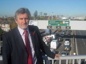Let's bring an end to daily Blackwall congestion